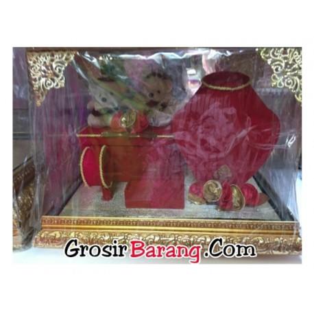 Paket Seserahan Pernikahan Tempat Perhiasan Bludru Merah Tutup Mika