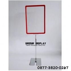 Standing Plat Promosi Stand Frame A4 Tiang Besi Display Butik Toko