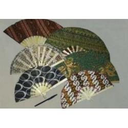 Kipas Batik Kayu 19 cm Medium Sovenir Nikah Hadiah Oleh-Oleh